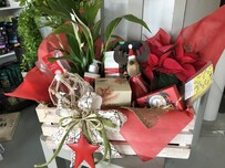 AA Christmas Deluxe Peace and Love Hamper